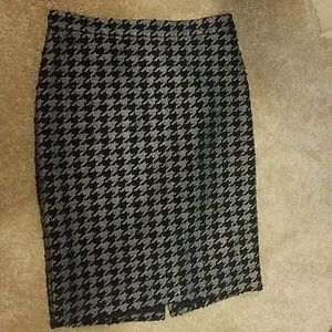 Navy and silver houndstooth Ann Taylor skirt